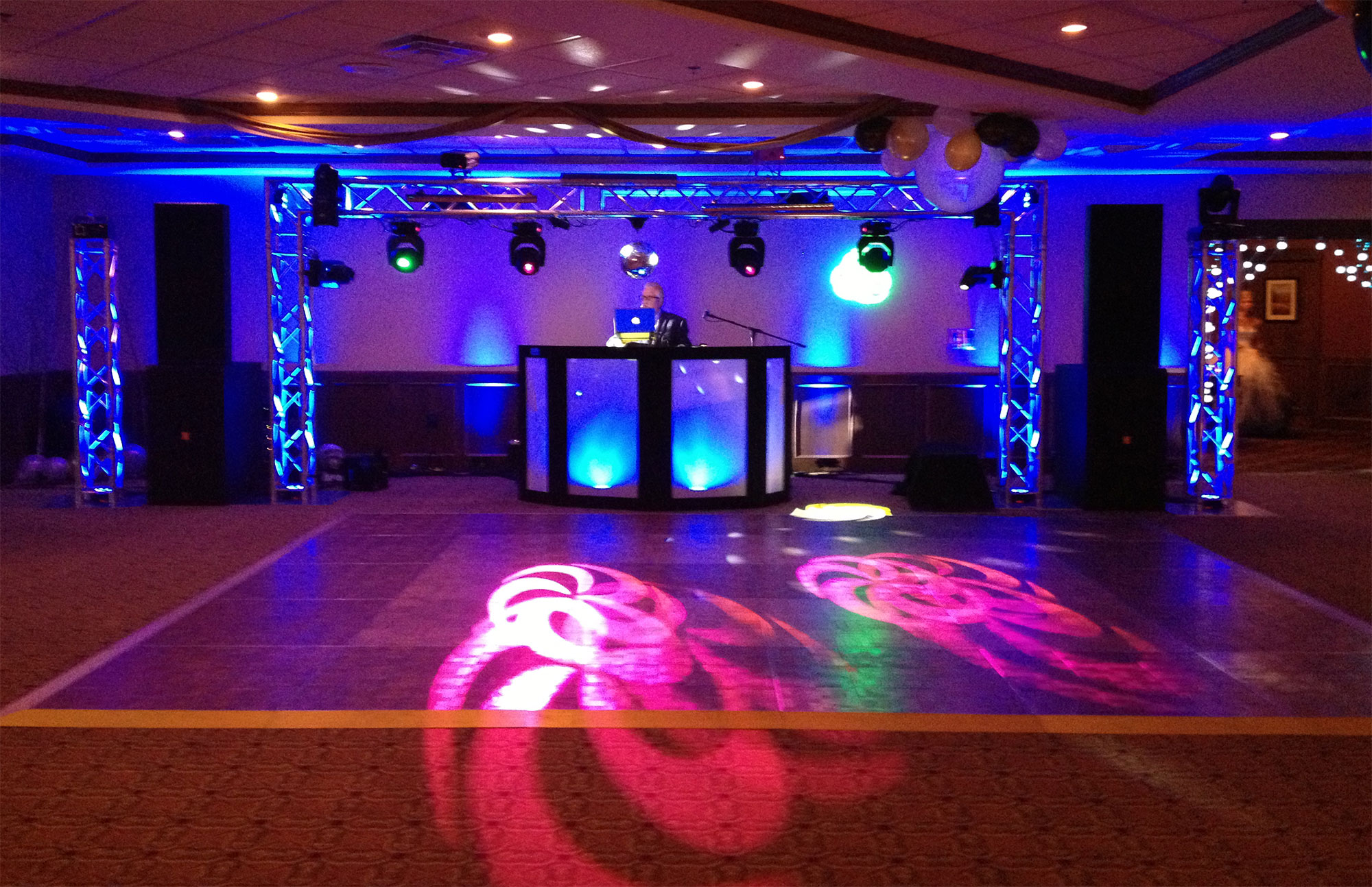 Total Light Show - Party Hits Music and Light Show - Wisconsin DJ Dance Weddings Events
